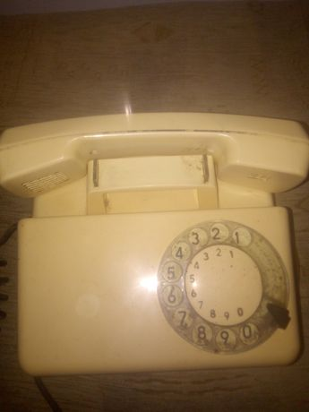 3 Stare telefony