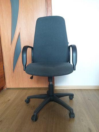 Офисное кресло DIPLOMAT