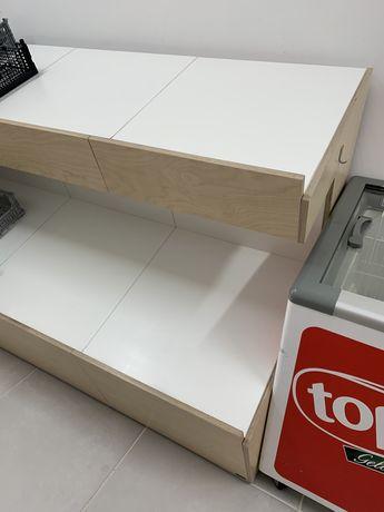 Módulo de estantes para fruta e legumes
