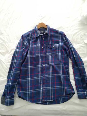 Camisa M Custom Fit em bom estado