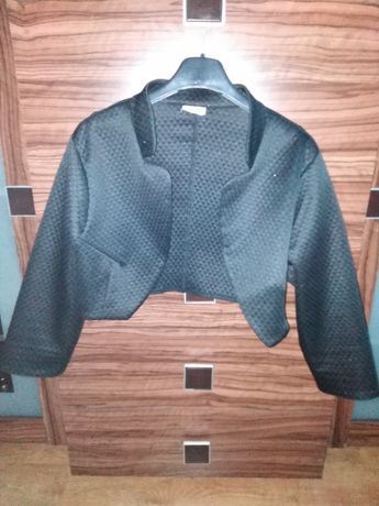 Czarne eleganckie materiałowe bolerko