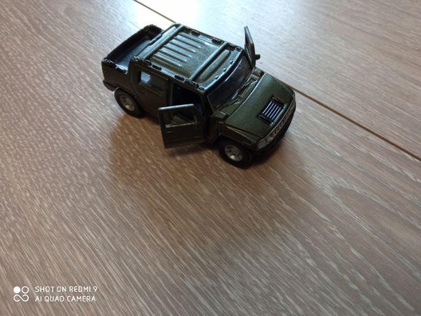 Модель Hummer 1/46 Maisto