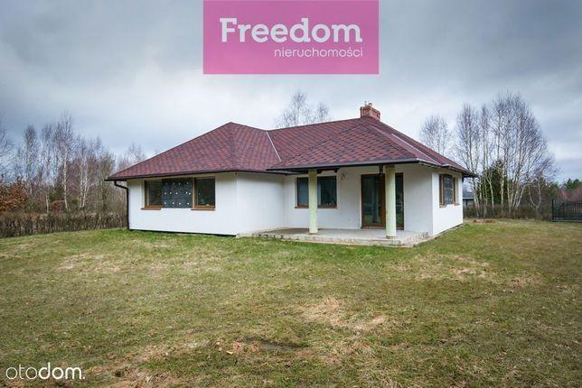 Dom nad jeziorem w Liniewie.