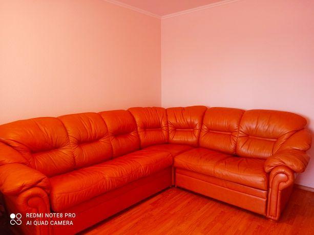 Срочно! Кожаный диван! В Киеве.