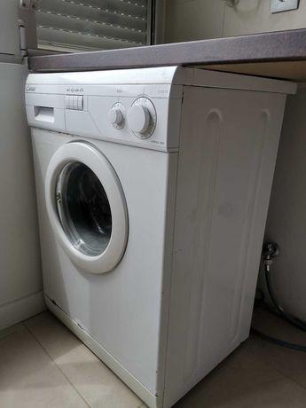 Máquina de lavar e secar roupa Candy, 5kg