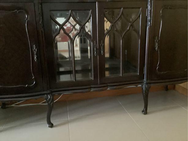 Movel antigo, aparador para a sala ou quarto