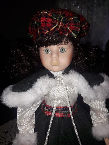 Lalka porcelanowa 40cm. - Nostalgia Mint (453)