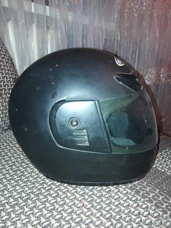 Продам мото шлем в хорошем состоянии.
