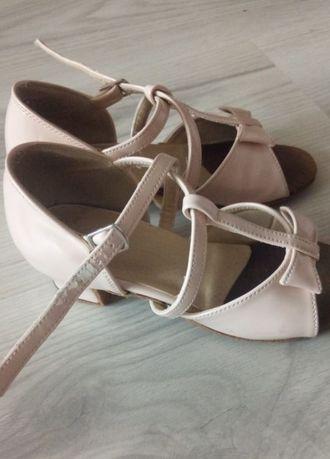 Продаются туфли для танцев 17,5