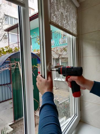 Регулировка/ремонт окон и дверей.