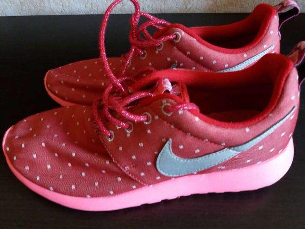 Кроссовки женские Nike p.38(24cm)