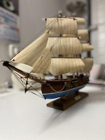 Barco decorativo ouragan 1830