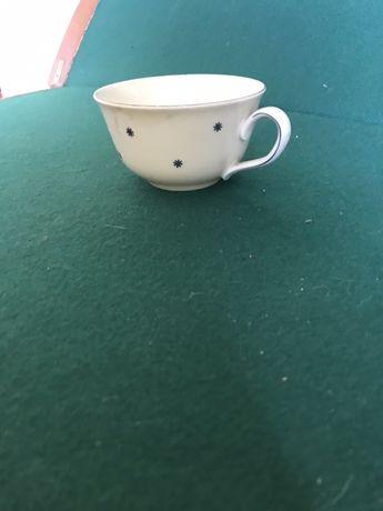 Zabytkowa urocza filiżanka z porcelany KPM (4)