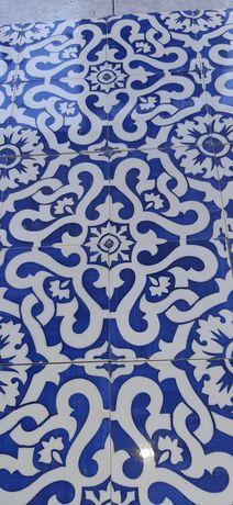 Antigos azulejos  Carvalhinho PINTURA Manual.
