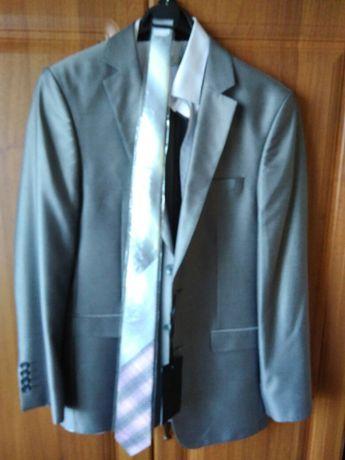 Новый свадебный костюм,рубашка,галстук