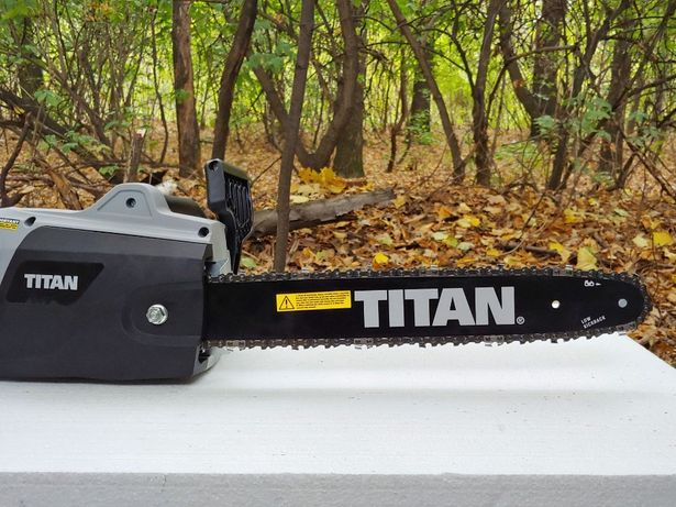 электропила TITAN TTL758CHN