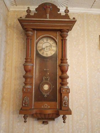Zabytkowy zegar scienny