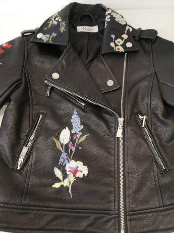 Куртка и юбка, костюм