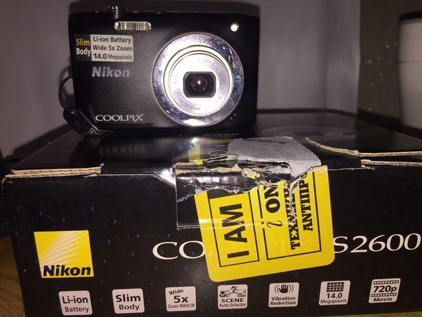 Цифровой фотоаппарат в хорошем состоянии