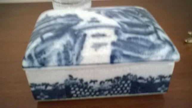 caixa antiga de porcelana chinesa
