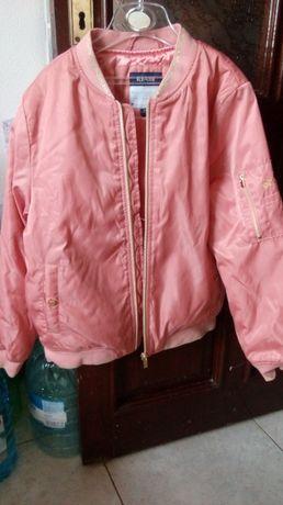 Легкая курточка на девочку,типа ветровочки,с подкладкой,фирма Kiabi