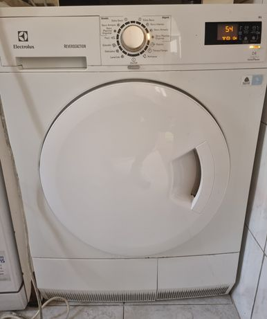 Máquina de lavar roupa + máquina de secar roupa