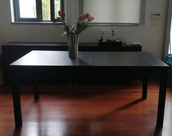 Mesa jantar extensível e cadeiras