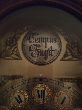 Relógio de pé / Máquina Alemã - Tempus Fugit