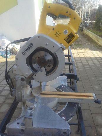 Торцовочный углорез торцовочная пила DeWalt DE7038