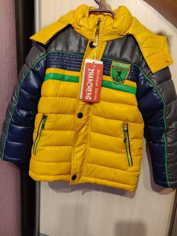 Новая теплая зимняя куртка 104 размер на мальчика
