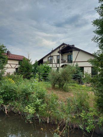 Дом, БАНЯ возле леса река рядом с городом 6 км от метро героев