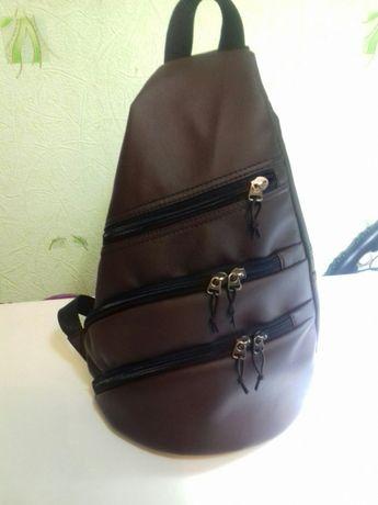 рюкзак наодно плече