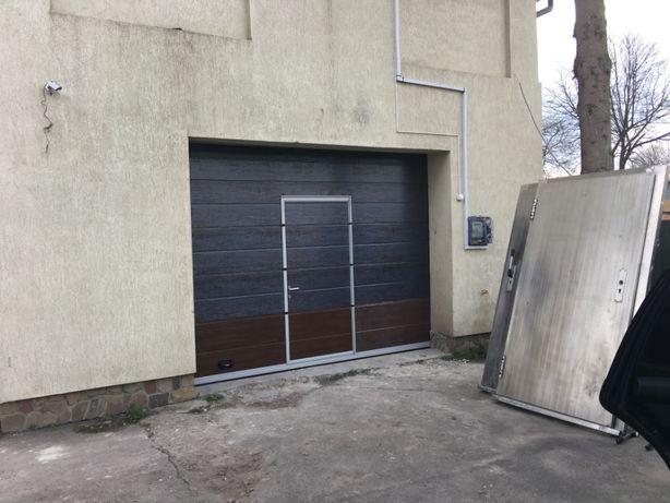 """Секційні підйомні (подъемные) ворота в гараж """"середній сегмент"""""""