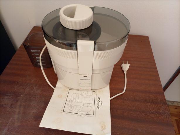 Maquina de Sumos / Centrifugadora / Liquidificadora Kenwood JE 600