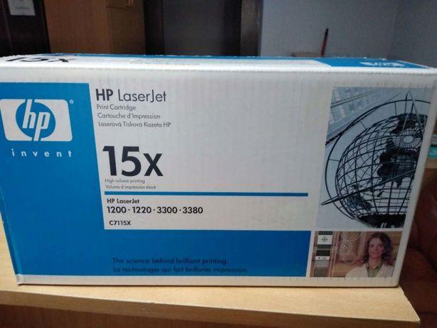 Продам оригинальный картридж HP 15X (C7115X)