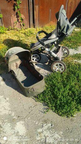 Детская коляска и люлька