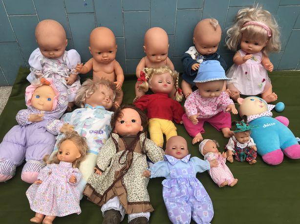 Bonecas 16 ao todo