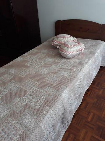 Aluga se quarto com casa de banho individual , em Montijo