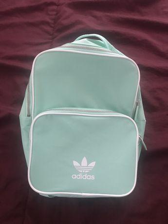 Продам рюкзак Adidas