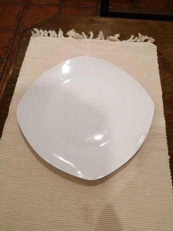 Pratos/Loiças em porcelana