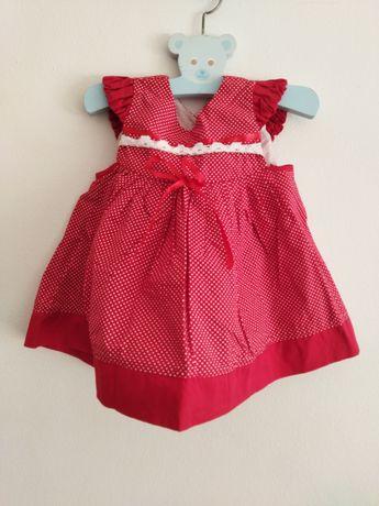 Vestido vermelha de menina com fita