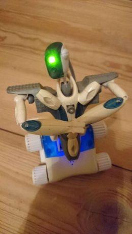 Robot Meccano zdalnie sterowany