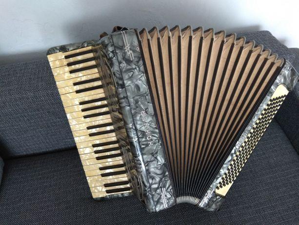 Akordeon Hohner Verdi III 120 basów