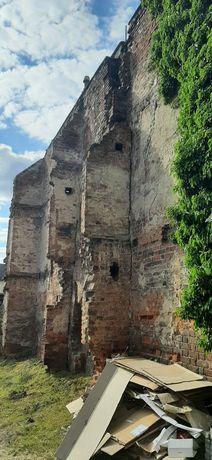 Cegła ściana gruz