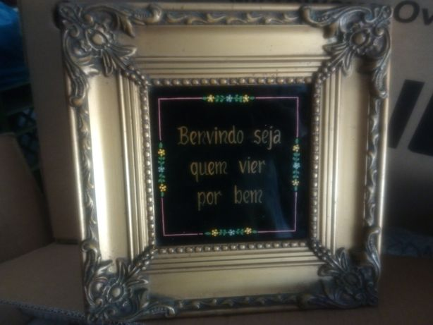 """Antigo quadro com azulejo pintado """"Benvindo seja quem vier por bem"""""""