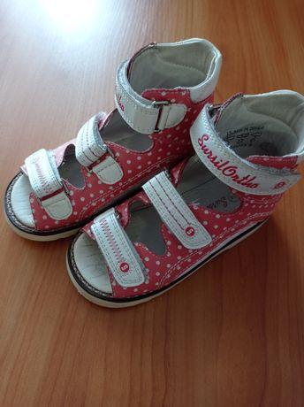 Ортопедичне взуття для дівчаток