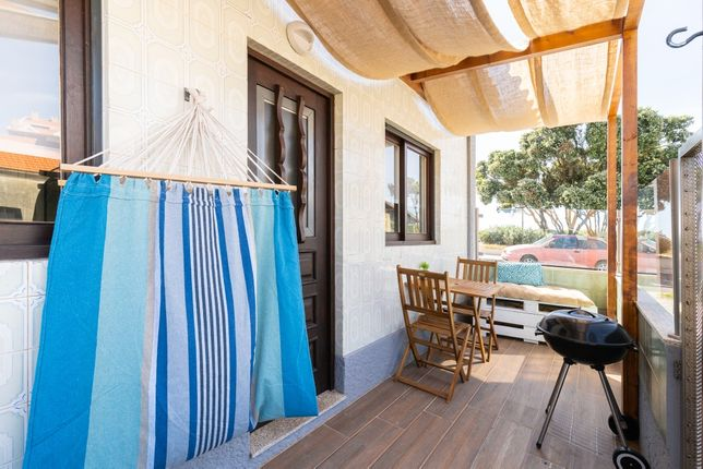 Casa T1 Furadouro Primeira Linha Restaurada Disp. Novembro a Junho