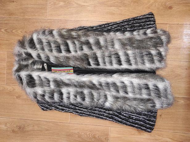 Вязанная жилетка с мехом