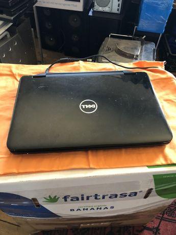 Laptop DELL Inspiron M5040 / E450 / AMD HD6320 / 4GB / 500GB / W7HP