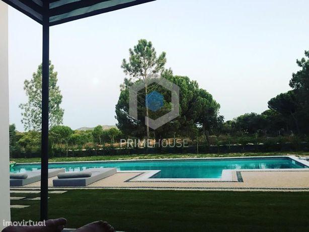 Moradia Térrea com vista para o lago no Condomínio Privad...